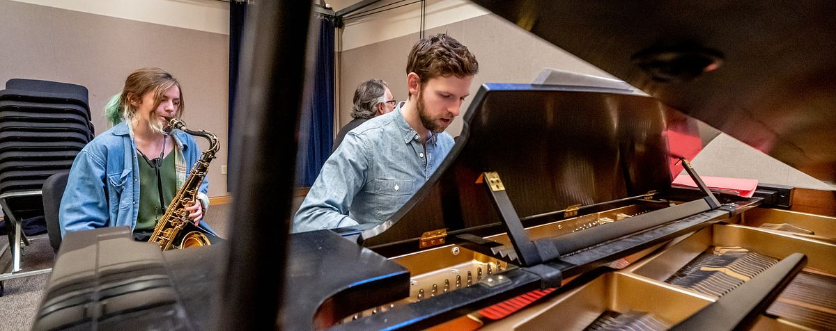 Keyboard student plays with fellow Lamont Musicians.