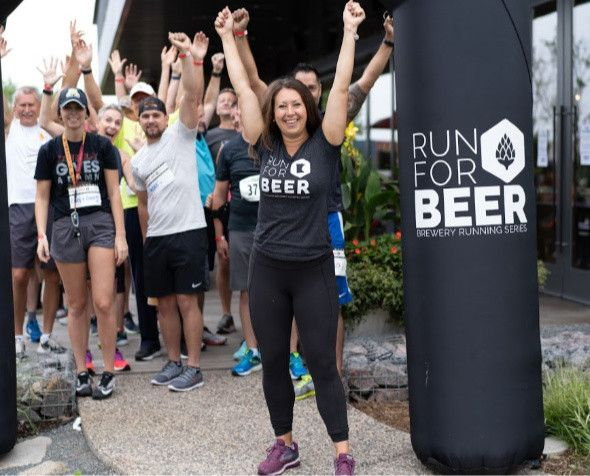 Morgan Jappe with runners from the Brewery Running series
