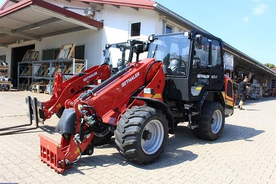 The company Thaler produces about 500 farm loaders annually.
