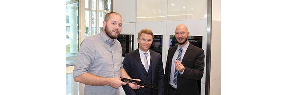 From left to right: Reto Märchy, Development and Design, V-Zug AG, Lutz Alof, CEO igus Switzerland, Axel Ebert, Technical Sales Consultant Region East, igus Switzerland.