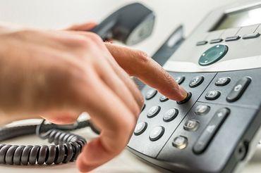 Mãos no telefone
