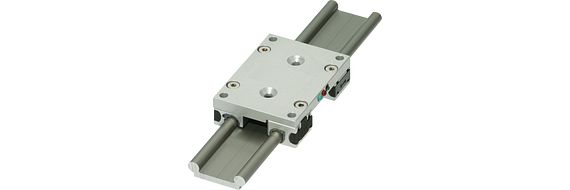 Intelligent linear guide with sensor in the linear carriage