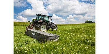 Máquina agrícola no campo