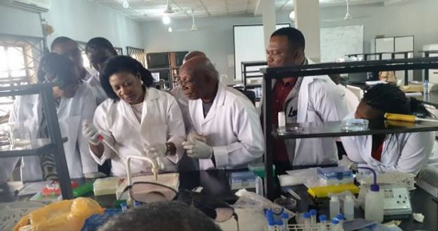 Image: CADFP Particpant Dr. Esiobu working in a lab
