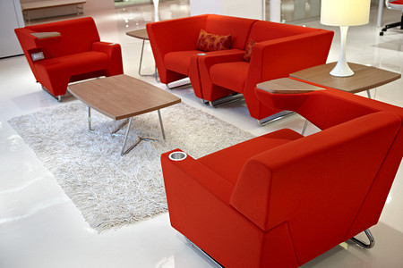 MyWayLoungeSeating&Tables red