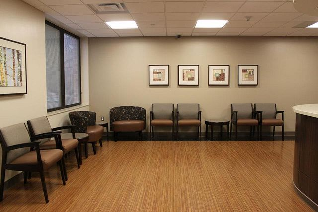 Waiting Room2 Arissa Chairs Soltice Guest Chairs Flex Tables