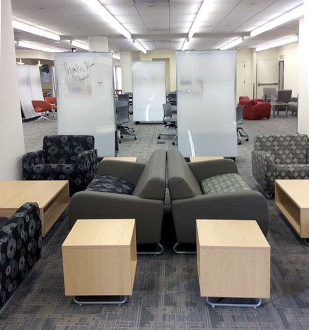 USFGleeson lounge2 Sela CZScreens