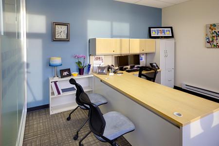 Genius CHR office Torsion Air Nesting 700S Desk Impress Ultra