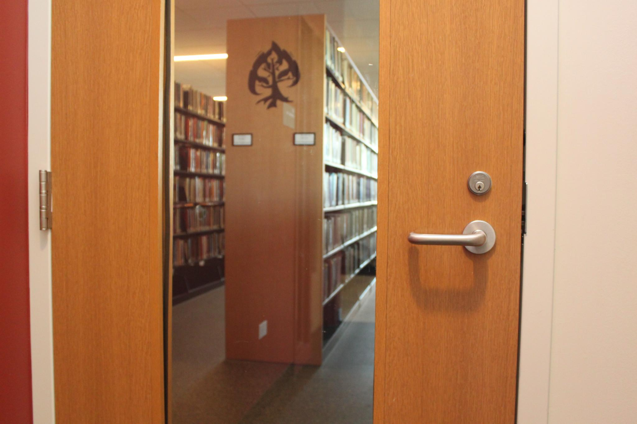 Red Oak Masonite Algoma doors at College of Chicago Library