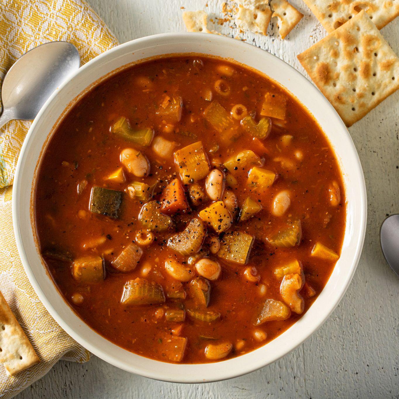 minestrone_soup_with_basil_garlic_&_oregano_8703.jpg
