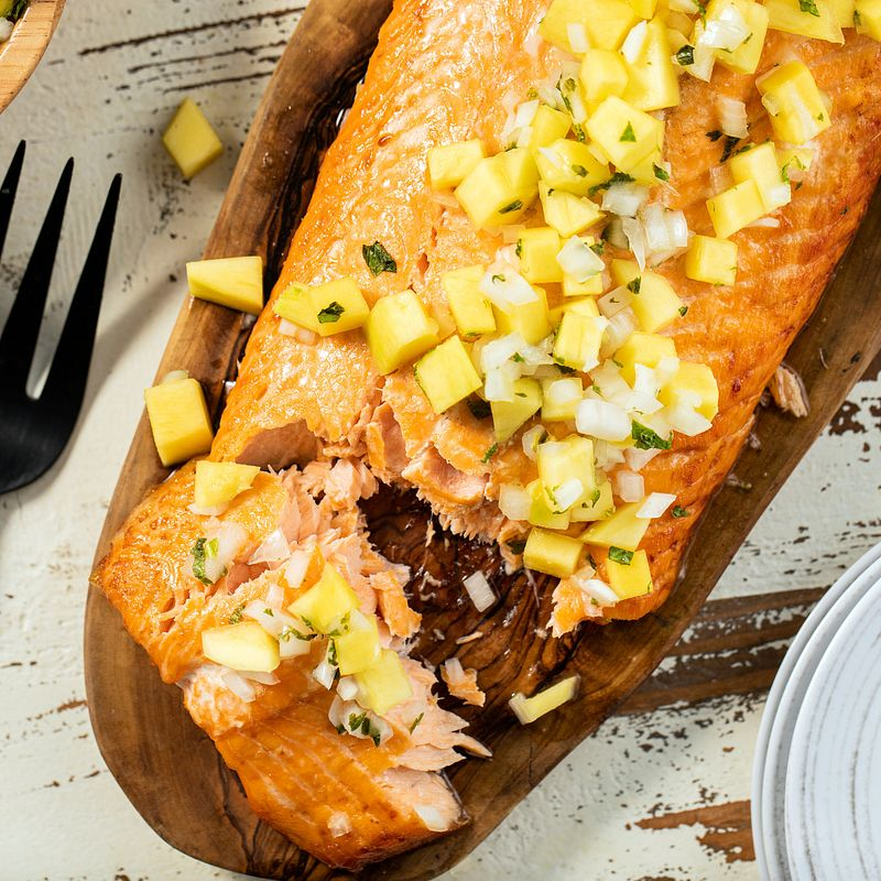 grilled_salmon_with_mango_ginger_and_vidalia_onion_5170