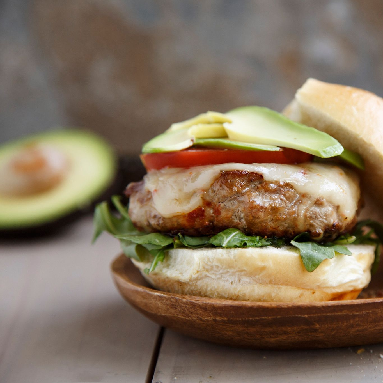 california_avocado_turkey_burgers_7.jpg