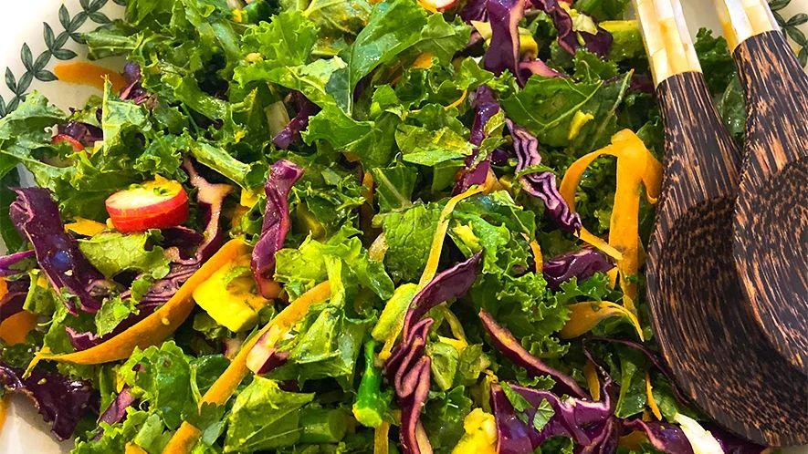 Vegan Detox salad with ginger and turmeric dressing