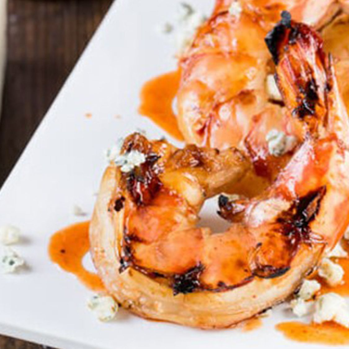 sriracha_grilled_shrimp_with_blue_cheese.jpg