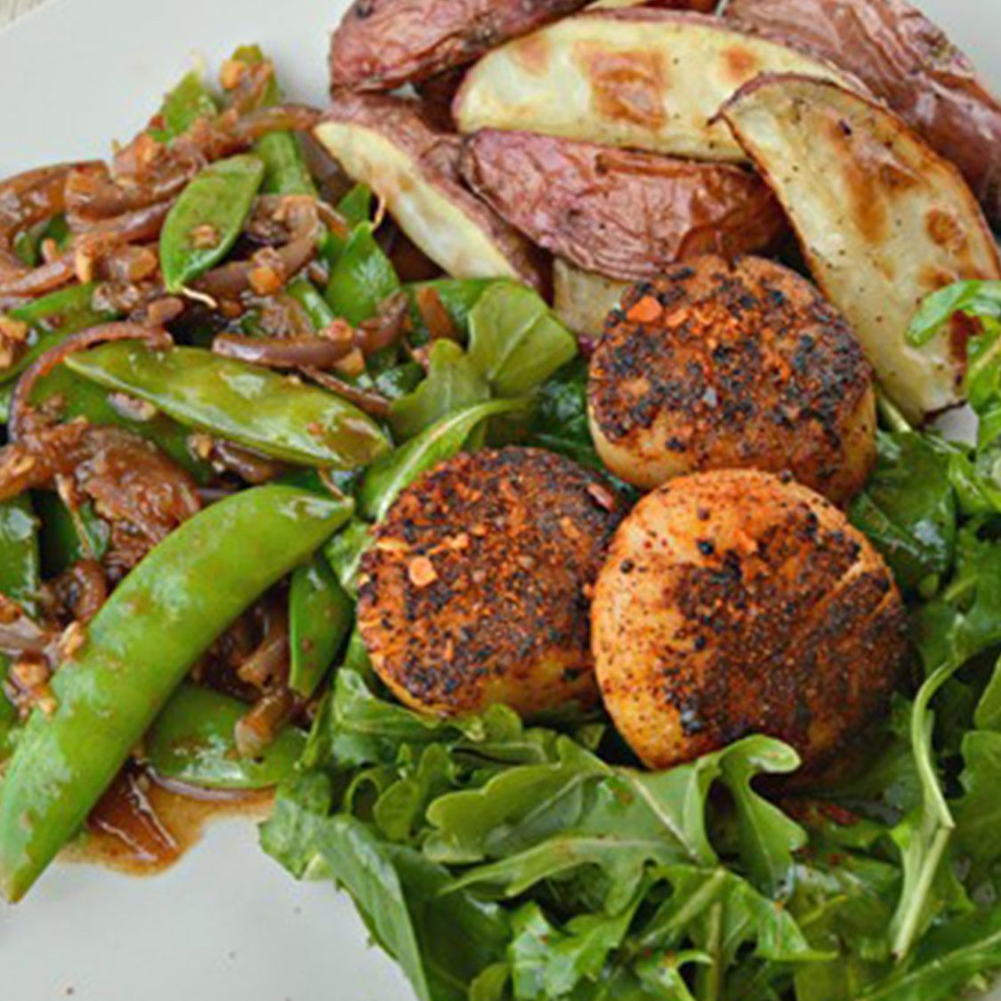 spice_rubbed_seared_scallops_with_zesty_snap_peas.jpg