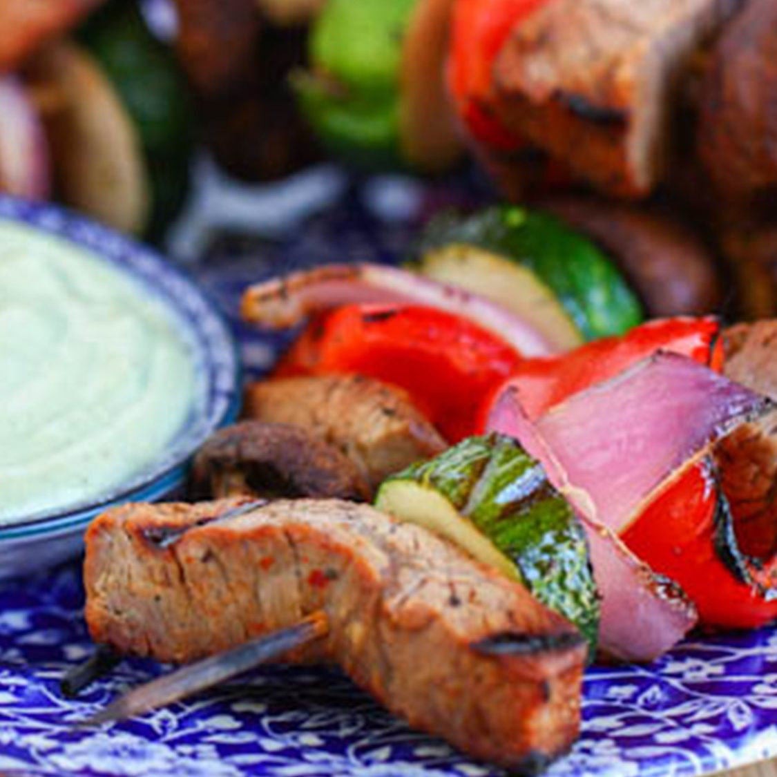 steak_and_veggie_kabobs_with_creamy_avocado_dipping_sauce.jpg