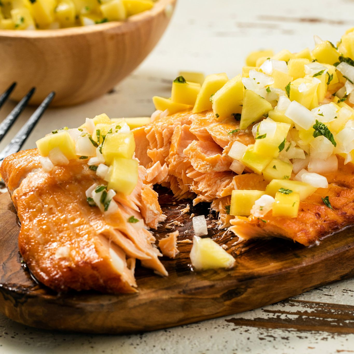 Grilled Salmon With Mango Ginger Salsa