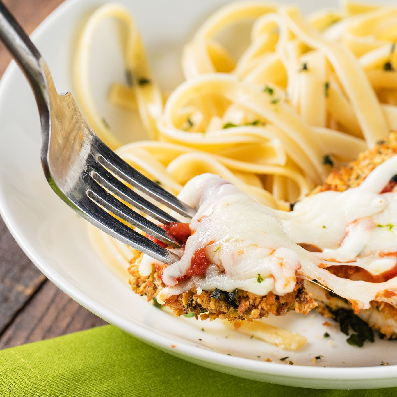 baked_mozzarella_chicken_with_basil_5060.jpg