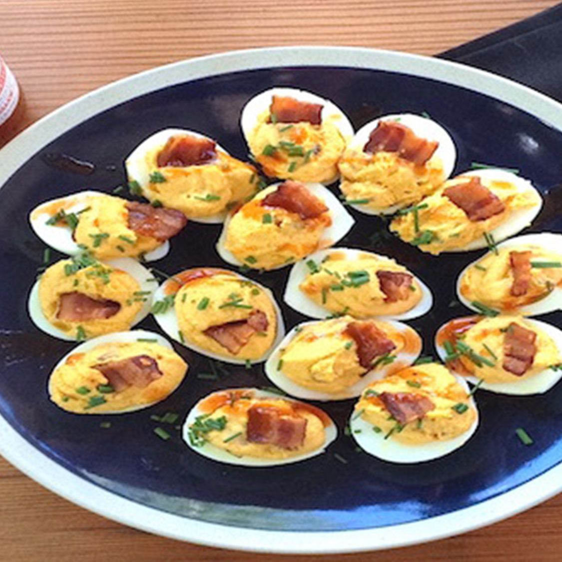 sriracha_bacon_deviled_eggs.jpg