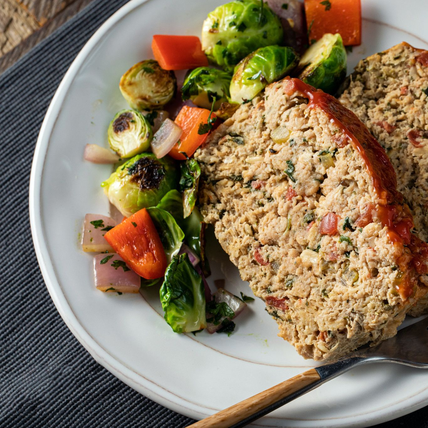 turkey_meatloaf_with_garlic_parsley_&_basil_6615.jpg