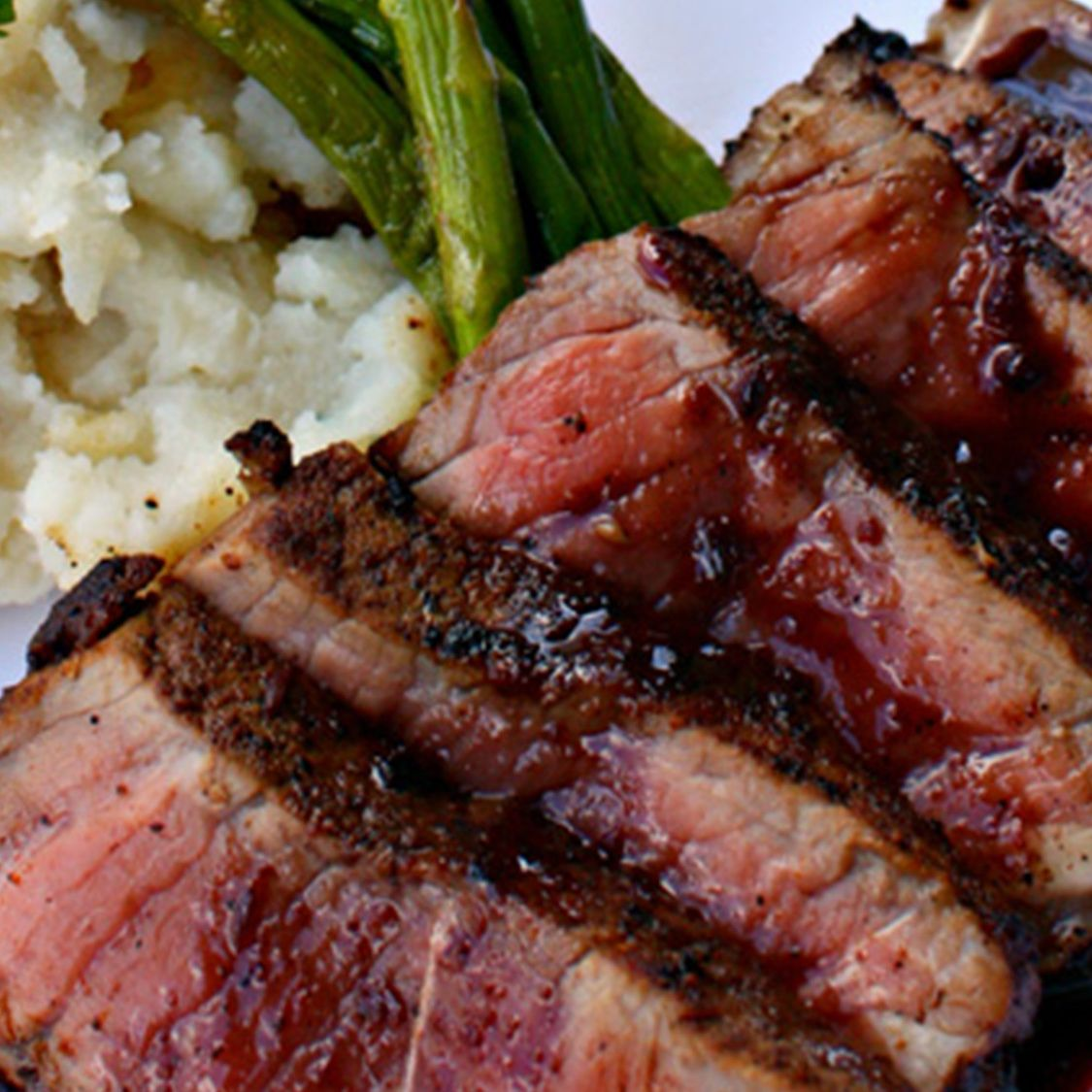 pan_seared_new_york_strip_with_red_wine_jus.jpg