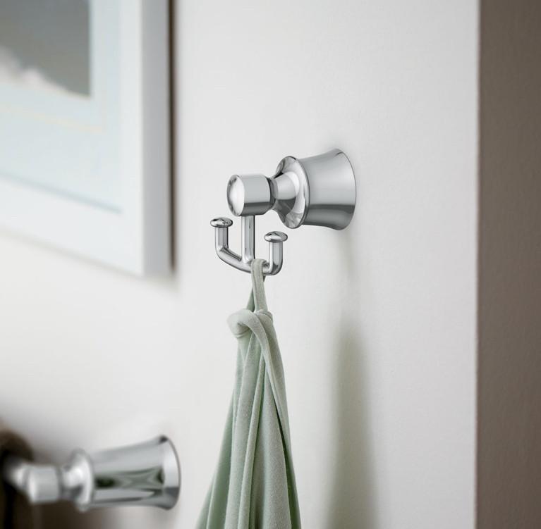 Traditional Bathroom Accessories