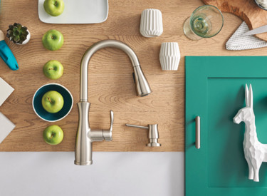 Flat Lay Spot Resist Stainless Transitional Kitchen Faucet