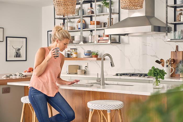 Sleek llave de cocina monomando extraíble de arco alto en cromo