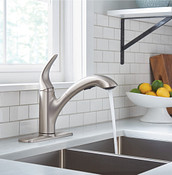 Medina Spot Resist Stainless One-Handle Pullout Kitchen Faucet 87039SRS