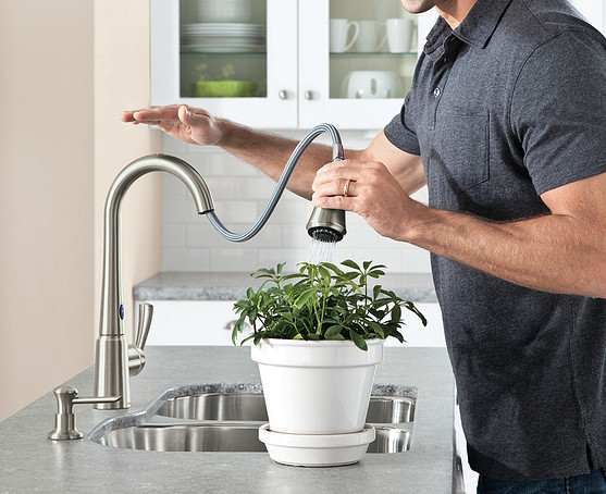 Delaney Spot Resist Stainless MotionSense Pulldown Kitchen Faucet 87359E2SRS