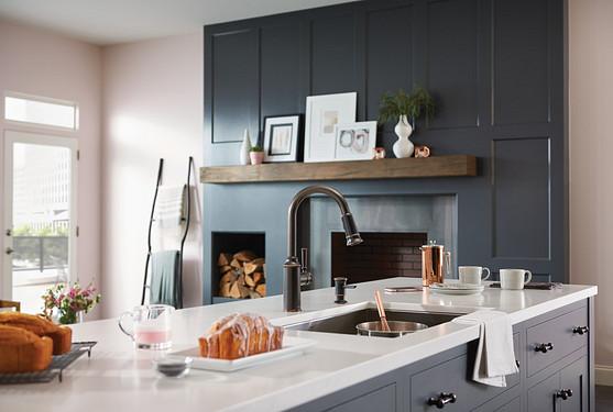 Glenshire One-Handle Pulldown Kitchen Faucet Mediterranean Bronze