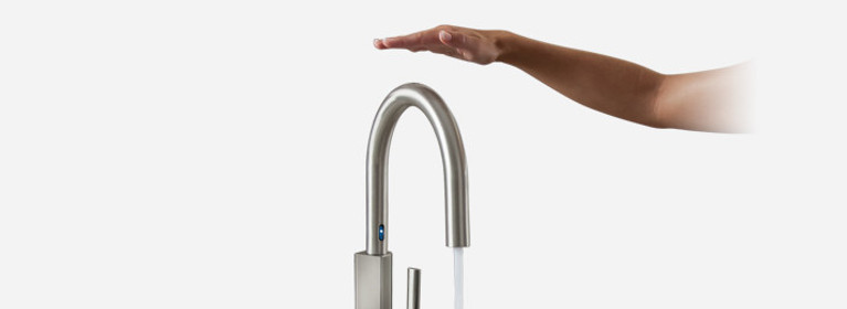 STo Spot Resist Stainless One-Handle High Arc MotionSense Pulldown Kitchen Faucet S72308ESRS