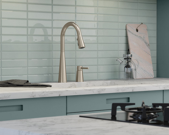 Options and tips for creating a backsplash that's more than just a glass act.