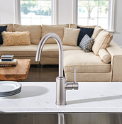 Sombra One-Handle Kitchen Faucet Spot Resist Stainless