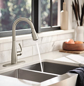 Essie One-Handle Pulldown Kitchen Faucet Chrome