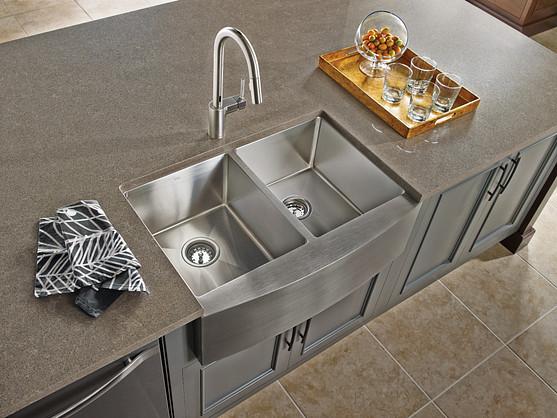 Align Spot Resist Stainless MotionSense Pulldown Kitchen Faucet 7565ESRS