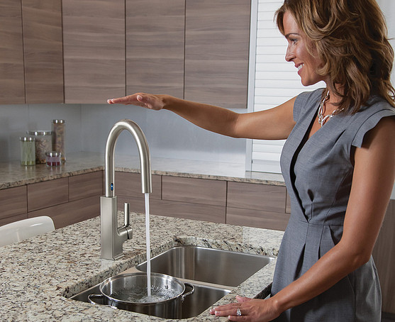 STo s72308esrs Spot Resist Stainless One-Handle High Arc MotionSense Pulldown Kitchen Faucet
