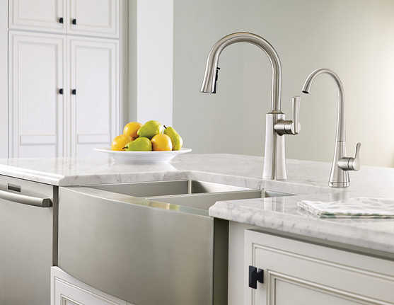 Etch Spot Resist Stainless One-Handle High Arc Pulldown Kitchen Faucet S72608SRS