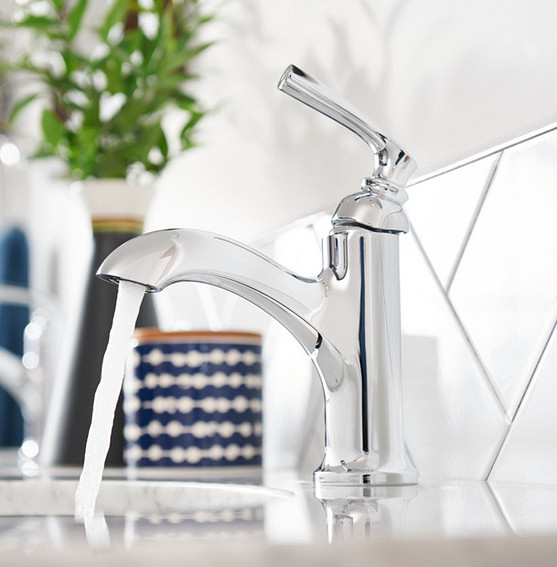 The sleek look of chrome sink faucets and accessories