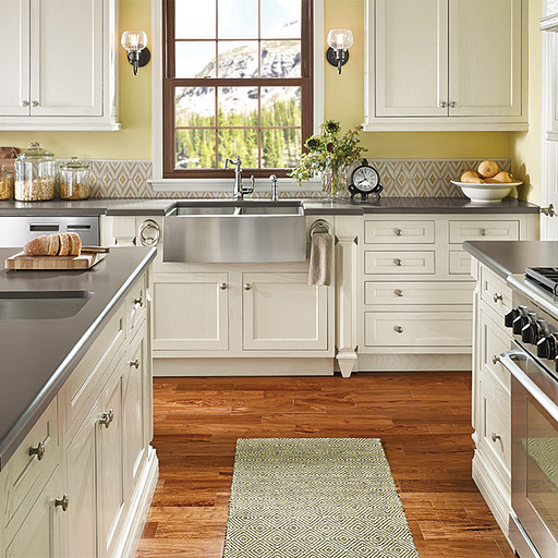 Upgrade Your Kitchen Design While Keeping a Traditional Look