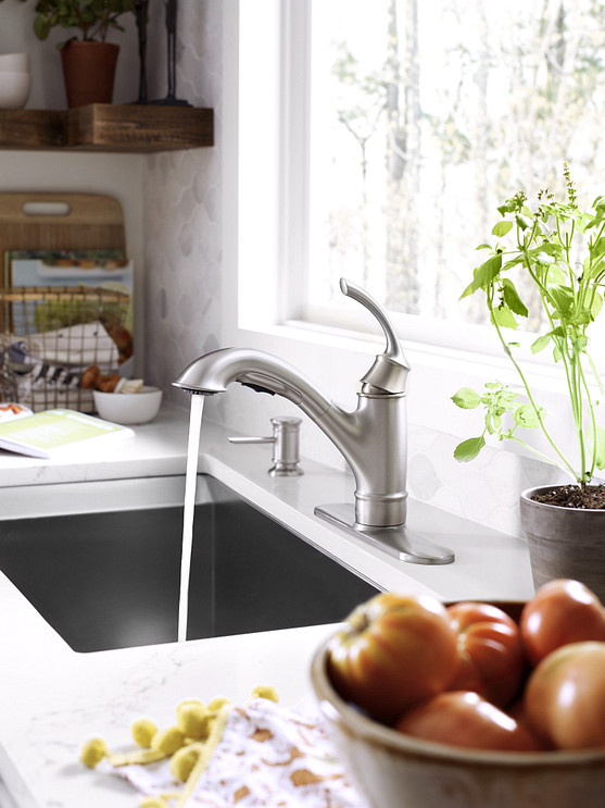Marietta One-Handle Pullout Kitchen Faucet Spot Resist Stainless