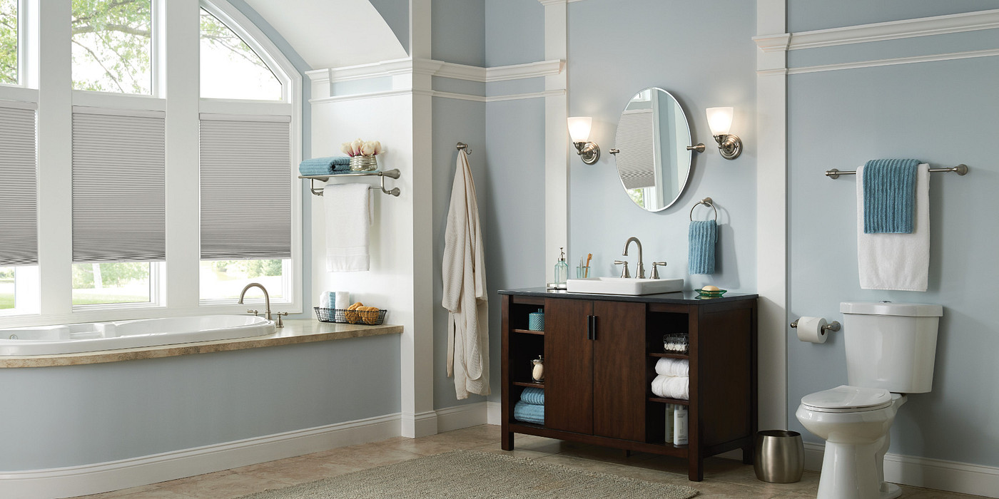 Complement your mirror with thoughtful lighting