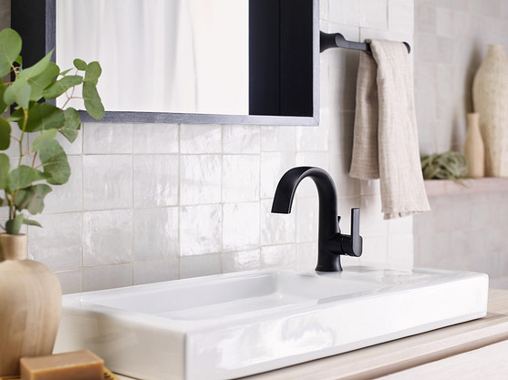 Identify your faucet and turn off the water