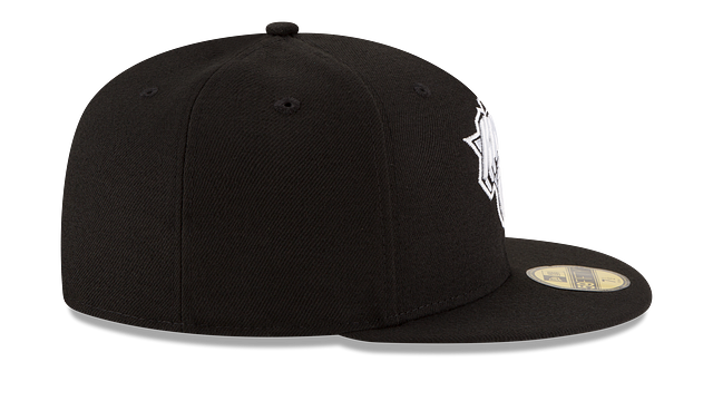 NEW YORK KNICKS BLACK & WHITE 59FIFTY FITTED