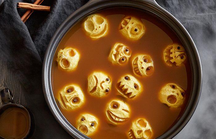 Hot Apple Cider With Shrunken Apple Skulls