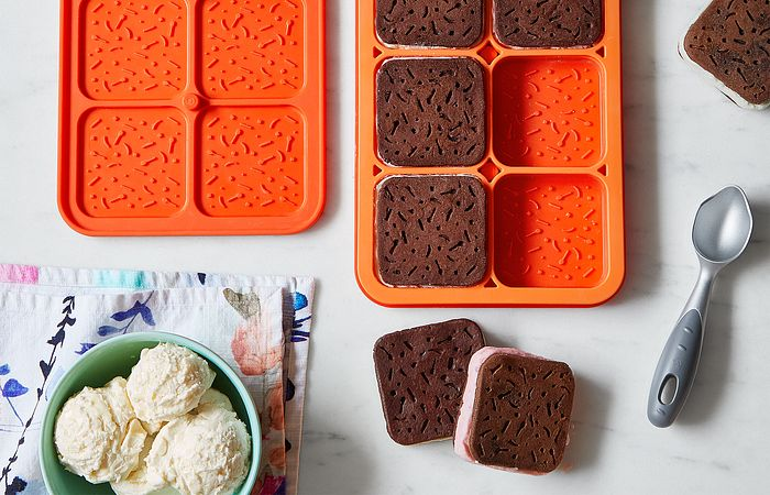 No-Bake Chocolate Peanut Butter Ice Cream Sandwiches