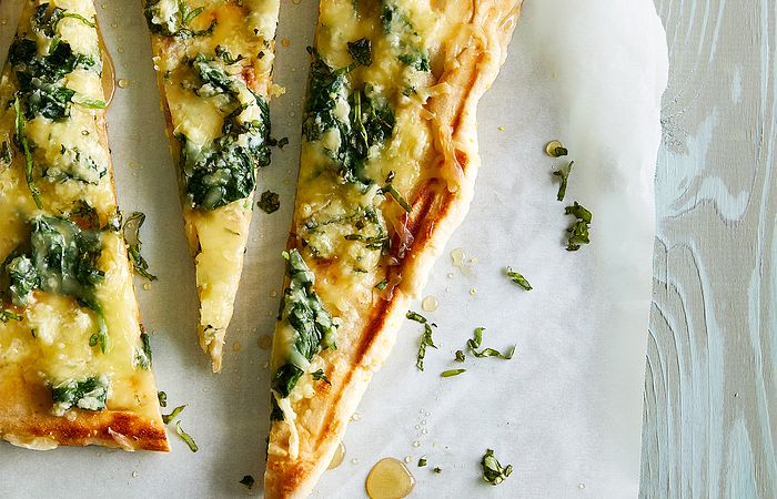 Grilled Spinach, Basil & Honey Pizza
