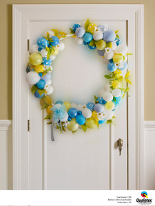 Wreath-on-the-Door-Yellow-and-Blue