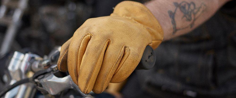 Unlined Buckskin Leather Glove Gallery Image 1