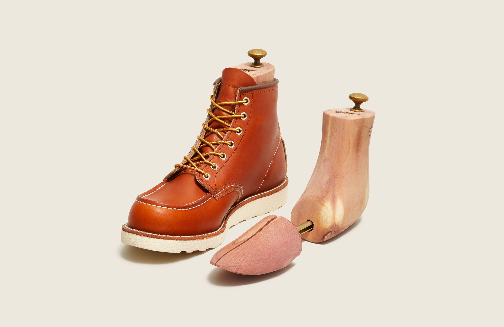 Cedar Boot Tree image number 0